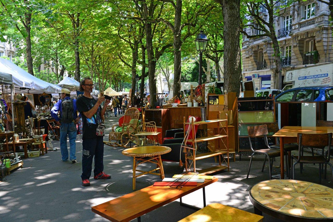 city-tour-guide-katapult-alex-laetitia-brocante-paris-bonbon-dure-vie