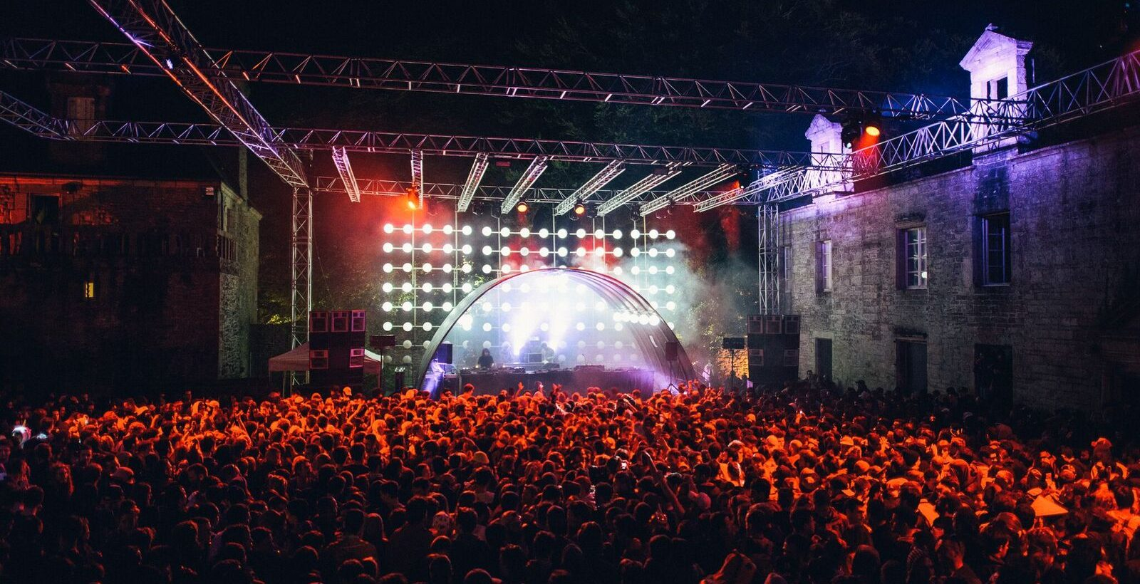 astropolis-festival-2018-dure-vie