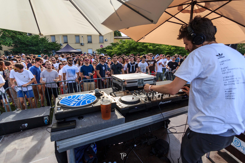 report-terrasse-ecam-festival-dure-vie
